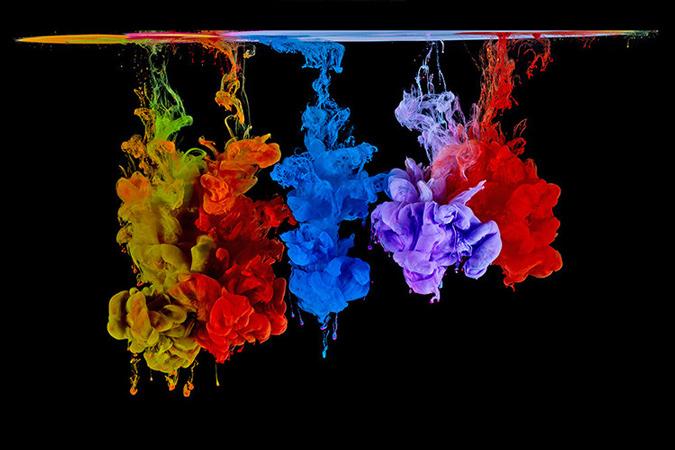رنگ تزریق شده در آب.